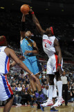 New Orleans Hornets v Detroit Pistons: Ben Wallace and David West Fotografie-Druck von Allen Einstein