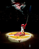 Los Angeles Lakers v Chicago Bulls: Benny the Bull Photographic Print by Andrew Bernstein