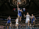 Golden State Warriors v Dallas Mavericks: David Lee and Jason Kidd Photographie par Glenn James