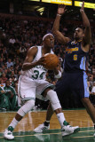 Denver Nuggets v Boston Celtics: Paul Pierce and Arron Afflalo Photographic Print by Elsa