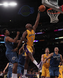 Washington Wizards v Los Angeles Lakers: Lamar Odom and Nick Young Photo by  Jeff