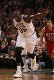 New Jersey Nets v Boston Celtics: Shaquille O'Neal Photographic Print by  Elsa
