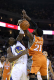 Phoenix Suns v Golden State Warriors: Jeff Adrien and Hakim Warrick Photographic Print by Ezra Shaw