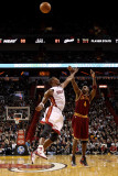 Cleveland Cavaliers  v Miami Heat: Antawn Jamison and Chris Bosh Photographic Print by Mike Ehrmann