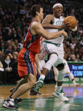New Jersey Nets v Boston Celtics: Paul Pierce and Kris Humphries Photographic Print by  Elsa