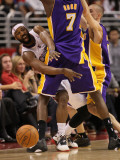 Los Angeles Lakers v Los Angeles Clippers: Baron Davis and Lamar Odom Photographic Print by Stephen Dunn