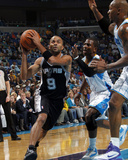 San Antonio Spurs v New Orleans Hornets: Tony Parker, Chris Paul and David West Photographic Print by Layne Murdoch