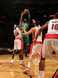 Boston Celtics v Toronto Raptors: Kevin Garnett and Reggie Evans Photographic Print by Ron Turenne