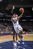 Atlanta Hawks v New Jersey Nets: Devin Harris Photographic Print by David Dow