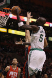 New Jersey Nets v Boston Celtics: Kevin Garnett and Kris Humphries Photographic Print by  Elsa