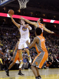 Phoenix Suns v Golden State Warriors: David Lee Photographic Print by Ezra Shaw