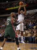 Milwaukee Bucks v Dallas Mavericks: Caron Butler and Corey Maggette Photographic Print by Danny Bollinger