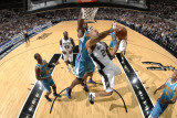 New Orleans Hornets v San Antonio Spurs: Richard Jefferson and David West Fotografie-Druck von D. Clarke Evans