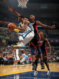 Miami Heat v Memphis Grizzlies: Mike Conley and Jerry Stackhouse Fotografisk tryk af Joe Murphy