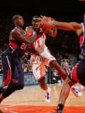 Atlanta Hawks v New York Knicks: Amar'e Stoudemire and Marvin Williams Photographic Print by Jeyhoun Allebaugh