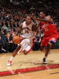 Philadelphia 76ers v Toronto Raptors: Sonny Weems and Thaddeus Young Photographic Print by Ron Turenne