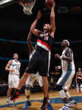 Portland Trail Blazers v Washington Wizards: Joel Przybilla and Gilbert Arenas Fotografisk tryk af Ned Dishman