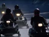 Raymond Gehman - Snowmobilers Ride Down a Snowy Road in Yellowstone Park Fotografická reprodukce