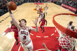 Los Angeles Clippers v Chicago Bulls: Omer Asik Photographic Print by Randy Belice