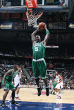 Boston Celtics v Atlanta Hawks: Kevin Garnett Photographic Print by Scott Cunningham