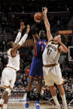New York Knicks v Cleveland Cavaliers: Amare Stoudemire, Mo Williams and Anderson Varejao Photographic Print by David Liam Kyle
