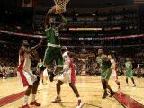 Boston Celtics v Toronto Raptors: Kevin Garnett and Amir Johnson Photographic Print by Ron Turenne