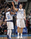 Golden State Warriors v Dallas Mavericks: Dirk Nowitzki and Jason Terry Photographic Print by Glenn James