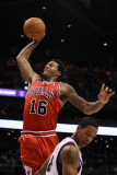 Chicago Bulls v Phoenix Suns: James Johnson and Channing Frye Photographic Print by Christian Petersen