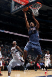 Charlotte Bobcats v Atlanta Hawks: Dominic McGuire and Josh Smith Fotografisk tryk af Scott Cunningham