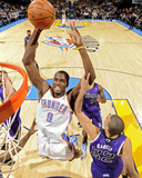 Sacramento Kings v Oklahoma City Thunder: Serge Ibaka and Francisco Garcia Fotoprint van Larry W. Smith