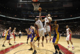 Los Angeles Lakers v Toronto Raptors: Joey Dorsey, Luke Walton and Linas Kleiza Photographic Print by Ron Turenne