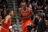 Chicago Bulls v Phoenix Suns: Luol Deng and Derrick Rose Photographic Print by Christian Petersen
