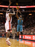 New Orleans Hornets v Miami Heat: Chris Paul and LeBron James Photographic Print by Mike Ehrmann
