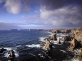 Rugged Sea Stacks of the Isle of Lewis Fotografisk trykk av Jim Richardson