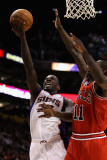 Chicago Bulls v Phoenix Suns: Jason Richardson and Ronnie Brewer Photographic Print by Christian Petersen