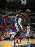 Detroit Pistons v Memphis Grizzlies: Sam Young and Ben Gordon Photographic Print by Joe Murphy