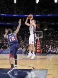 Atlanta Hawks v New Jersey Nets: Troy Murphy and Josh Powell Photographic Print by David Dow