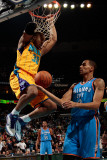 Oklahoma City Thunder v New Orleans Hornets: David West and Thabo Sefolosha Fotografie-Druck von Chris
