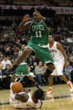 Boston Celtics v Charlotte Bobcats: Glen Davis and Gerald Wallace Photographic Print by  Streeter
