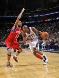 Philadelphia 76ers v New Jersey Nets: Travis Outlaw and Evan Turner Photographic Print by David Dow