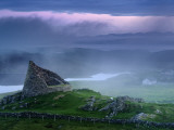 The Remains of the Double-Walled Fortress, Dun Carloway Fotografiskt tryck av Jim Richardson