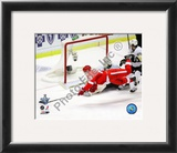 Valtteri Filppula scores a diving third period goal during Game 2 of the 2008 NHL Stanley Cup Final Framed Photographic Print