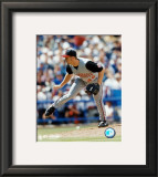 Scott Williamson - Pitching Framed Photographic Print