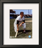 Brooks Robinson - Posed kneeling with bat Framed Photographic Print