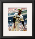 Roberto Clemente Action Framed Photographic Print