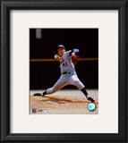 Tom Seaver - Ball in hand Framed Photographic Print