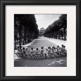 Children in the Palais-Royal Garden, c.1950 Prints by Robert Doisneau