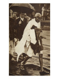 Gandhi Visiting London for 'Round Table' Conferences, September 1930 Giclée-tryk af English Photographer