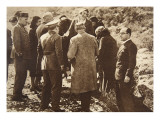 Queen Ena of Spain Going into Exile, April 15, 1931 Giclee Print