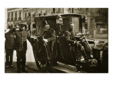 Porfirio Diaz Arriving at the Palace Offices, C.1910 Giclee Print